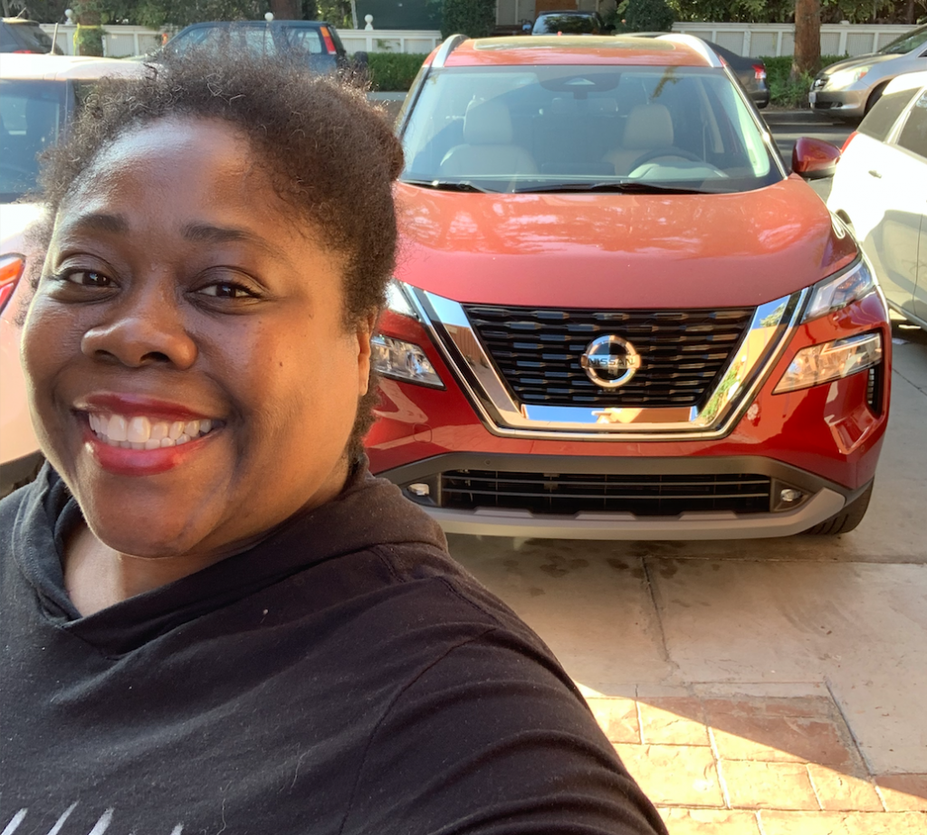 2021 Nissan Rogue: Driving with Cherry